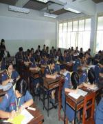 สื่อนอกตีแผ่ระบบการศึกษาไทย เคร่งระเบียบราวทหาร