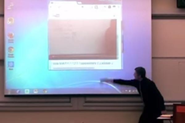 เมื่อครูมหา'ลัยเซอร์ไพรส์ลูกศิษย์ด้วยไอเดียที่เจ๋งสุดๆ! (ชมคลิป)